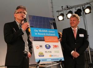 Jaap Bond (Provincie Noord Holland) en Robert Waltman Woningstichting) maken het nieuws bekend